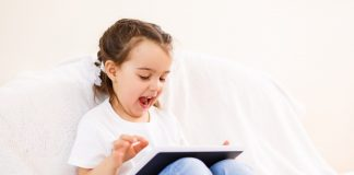Setting Healthy Digital Routines for the Family During the Holidays